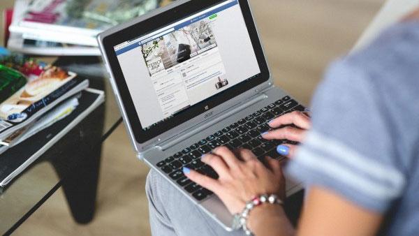 facebook-romania